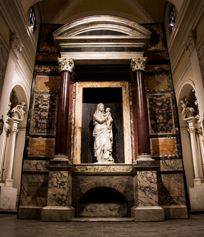 Recreation of the tomb of Raphael installed in Urbino