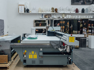 Installation of a Canon Elevated Printer in Factum's Madrid workshops