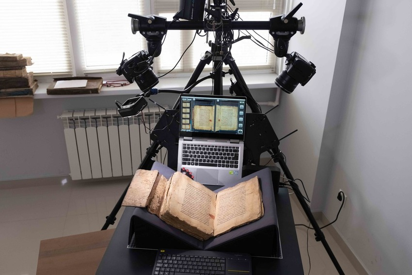 Factum Foundation Portable Manuscript Scanner